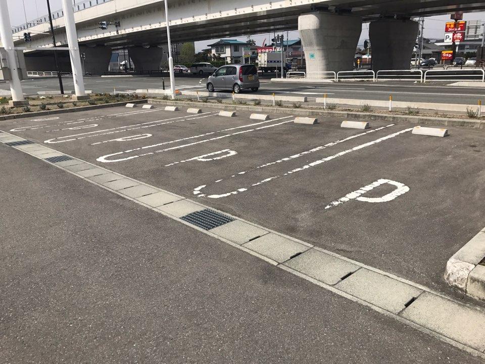 施工前のお客様駐車場の様子